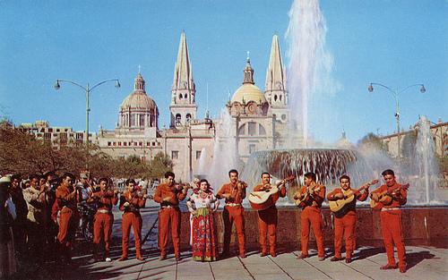 mariachi in Guadalajara (vintage postcard)