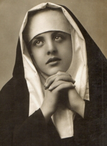 vintage-nun